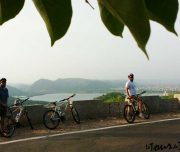 group-cycling-holidays-900X600