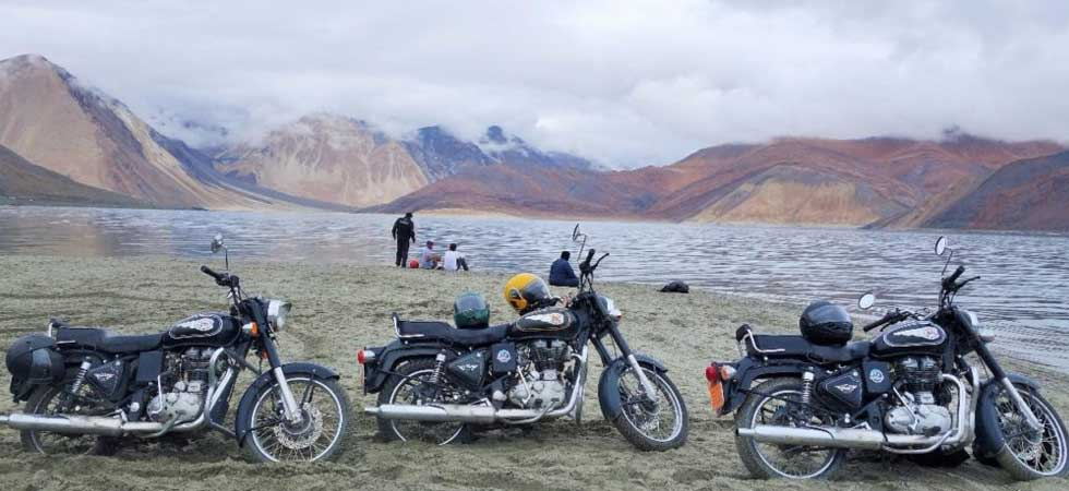 Adventure tour on Motorcycle