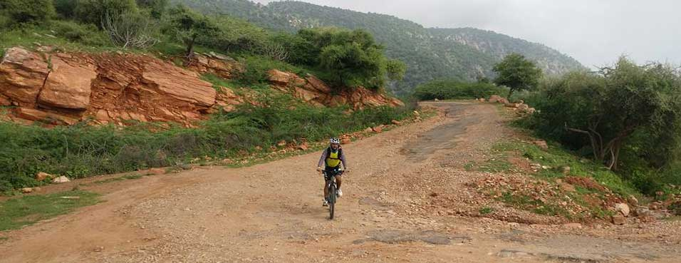 Bike Ride to Harsh Parvat near Sikar
