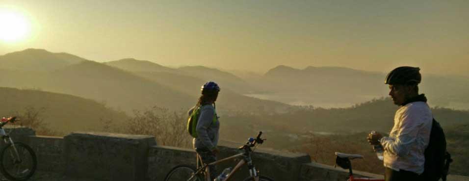 Bike Ride to Nahargarh in Jaipur