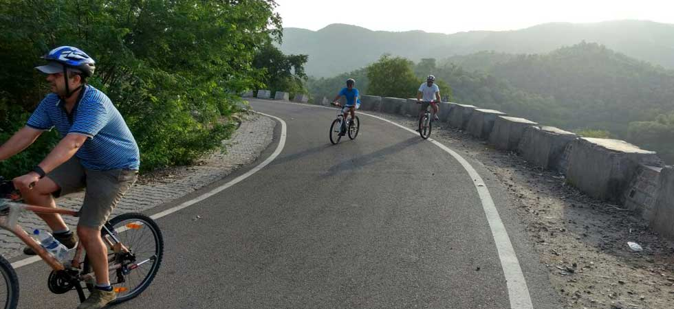 Adventure Cycling to Highest Point of Nahargarh Fort Jaipur, India